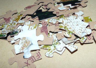 Piezas sueltas de puzzles troquelados
